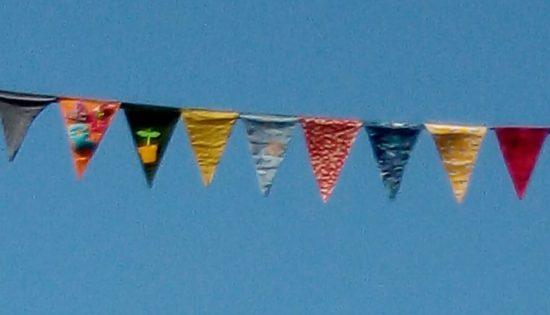 Cēsis rotā karodziņi! :)